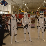 501st_at_toys_r_us__09-16-2006__002